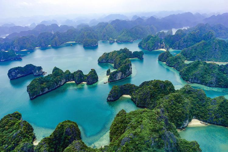 Halong Bay, Vietnam. © Vietnam Travel.
